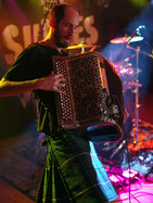 accordeon-2_resultat.jpg - JPEG - 176.4 ko - 600×800 px